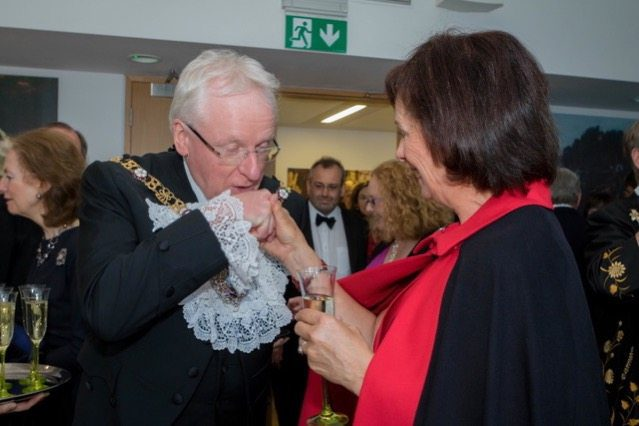 The Lord Mayor charms a Founder Warden